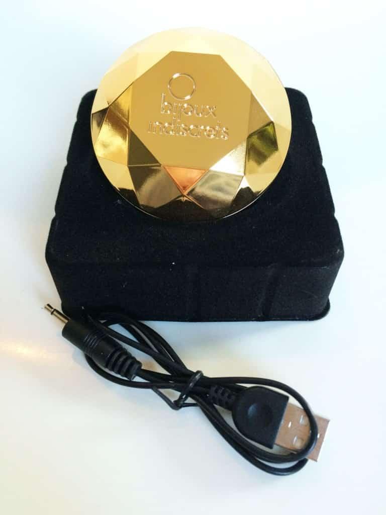 Bijoux Indiscrets Twenty One Vibrating Diamond Gesamtansicht mit Kabel
