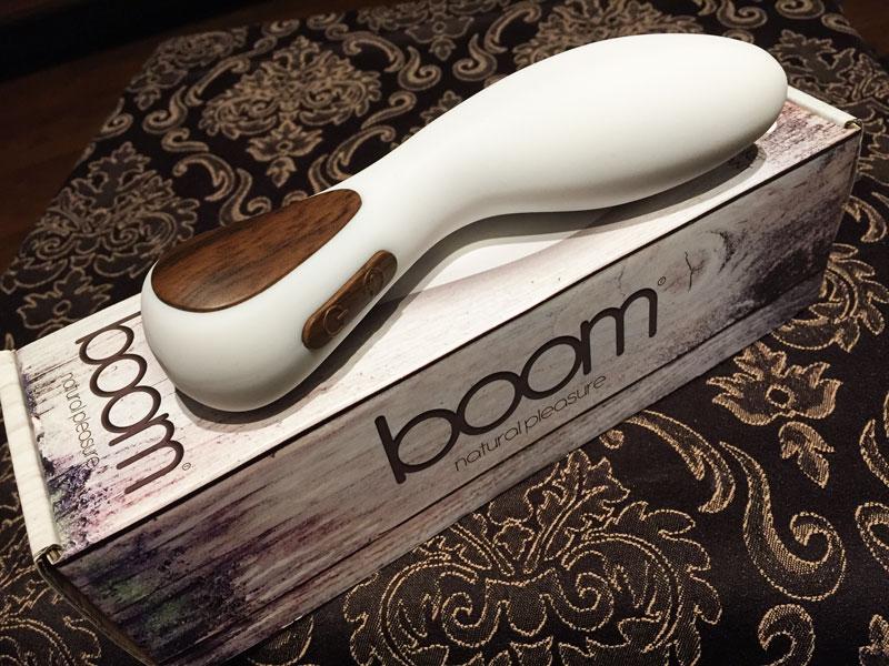 Boom Olive Vibrator Shots White Gesamtansicht 3