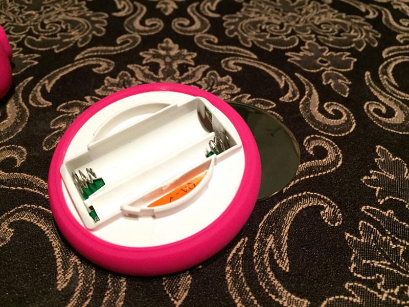 Lelo Tiani 3 Cerise Batteriefach Fernbedienung